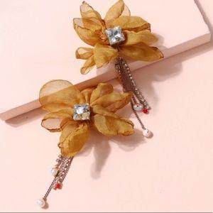 🔹New🔹Mustard Petal earrings